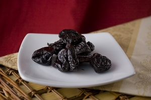 Pitted Plums (1 Pound Bag) - No Sugar added