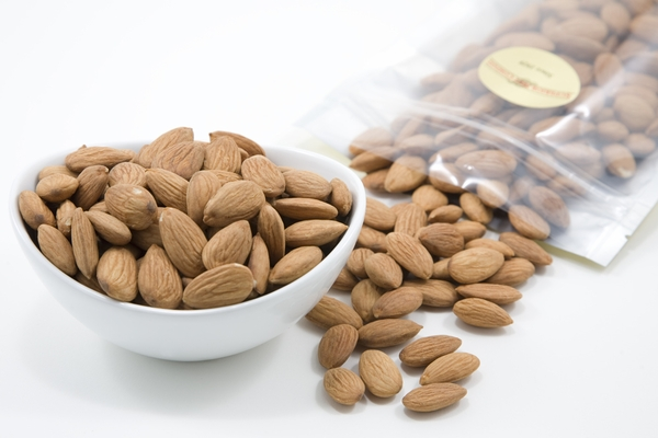 Raw Organic Almonds (1 Pound Bulk)