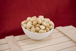 Raw Whole Macadamias (10 Pound Case)