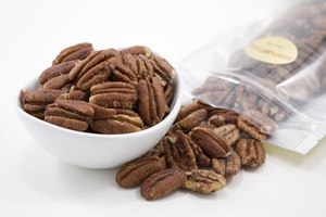 Roasted Pecan Halves (1 Pound Bag)