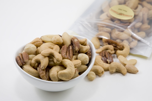 Superior Mixed Nuts (1 Pound Bag)
