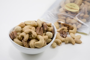 Superior Mixed Nuts (8oz Bag)