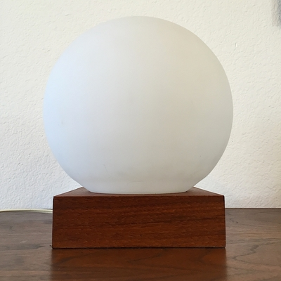 Opaque Globe on Wood Base Table Lamp
