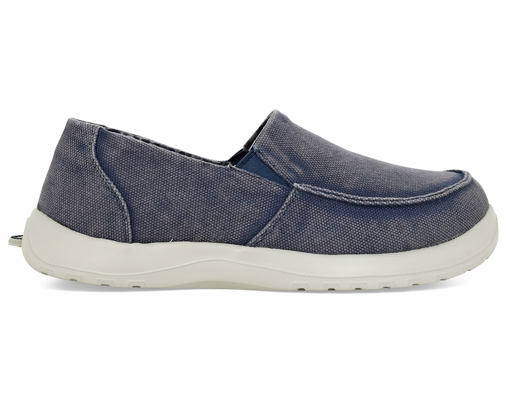 These slip-on shoes for women are made of durable TPR fabric and polyester, making them dependable and able to stand up to regular use without issue. The insole of these canvas shoes for women is outfitted with a smooth lining to create a comfortable experience for your feet.