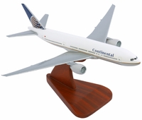 Continental B-777 Model Airplane - 1/200 Scale