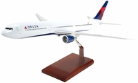 Delta Airlines B-767-400 Model Airplane