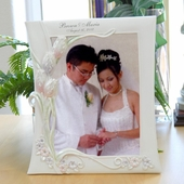 Personalized White Tulip Wedding Picture Frame