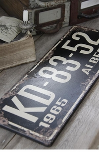 Jeanne d'Arc Living Wooden Vintage-Style License Plate