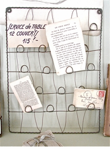 *ONLY 2 LEFT!*  Zinc Wire Card/Memento Holder