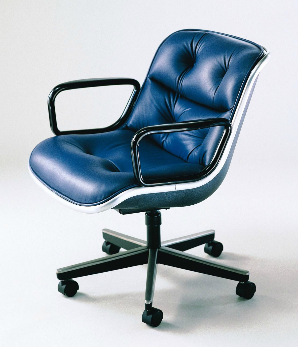 knoll pollock executive chair shop knoll pollock executive
