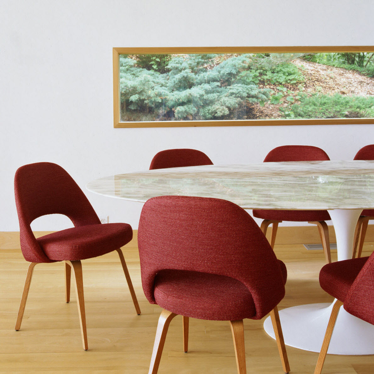 Knoll Saarinen Large Oval Dining Table at The Human Solution : knoll saarinen large oval dining table 10 from www.thehumansolution.com size 1189 x 1189 jpeg 267kB