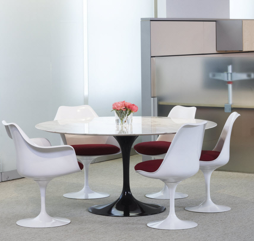 Knoll Tables Knoll Saarinen Medium 47 Inch Round Dining Table