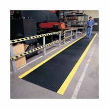Notrax 737 Diamond Plate Runner