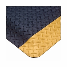 Wearwell 415 9/16'' SpongeCote Diamond Plate Anti-Fatigue Mats