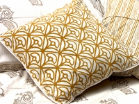 Tilonia® Home: Decorative Pillow Cover in Mod Mum in Gold