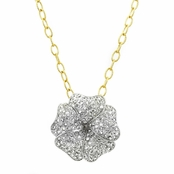 Carrie's Clover Necklace: Comparable To Sex and the City 2