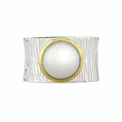 Ceil's Imitation Pearl Etched Wide Band Fashion Ring