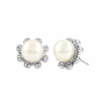Cordula's Flower Imitation Pearl Stud Earrings
