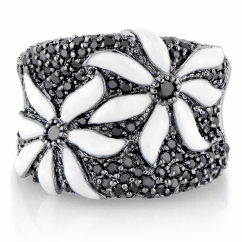 Flor's Black & White Flower Cocktail Ring