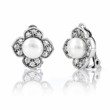 Janet's Pearl Clip On Earrings - Freshwater Button Pearl