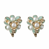 Lilly's Mint Pearl Culster Flower Screw Back Earrings