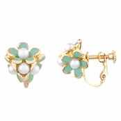 Lilly's Mint Pearl Flower Cluster Screwback Earrings