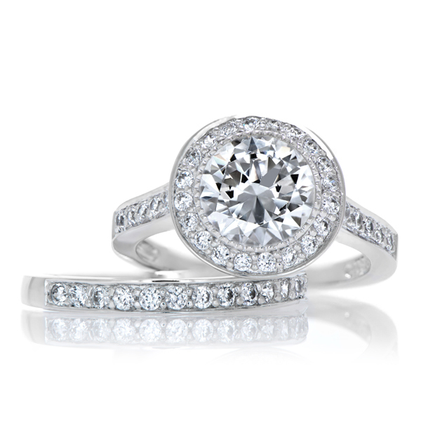 Nyeasia s Round Cut CZ Wedding Ring Set