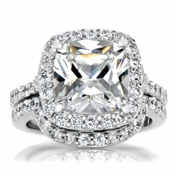 Sheera's Faux Diamond Wedding Ring Set - Cushion Cut