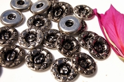 "2 Hole Vintage Flower Embossed Metal Buttons 7/8"" inch (8 pcs)"