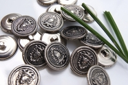 """Vintage Embossed Shield Silver Metal Shank Buttons 7/8"""" inch (8 pcs)"""