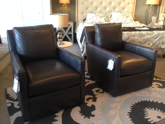 Bradinton-Young Swivel Chairs in Leather