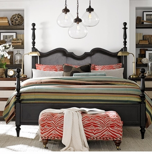Highlands Poster Bed