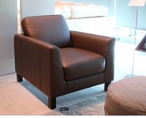 I239 Italsofa leather club chair