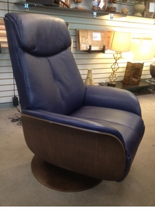 Kongen Medium Power Swivel Recliner