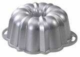 50037 Nordic Ware Original Platinum Collection Bundt Pan