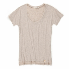 Amour Vert Bessie Scoop Neck Tee in Oatmeal