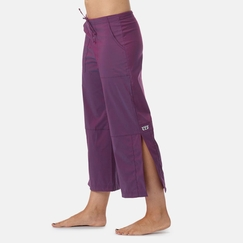 Be Present Mobility Pant (side slits) in Mixed Berry
