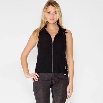 Koral Incline Vest in Black