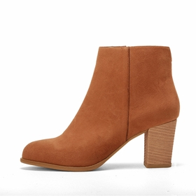 Olsen Haus Ankle Boot in Camel