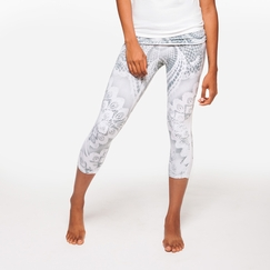 Organic Om Girl Ahimsa Capri Filigree in Martini Olive