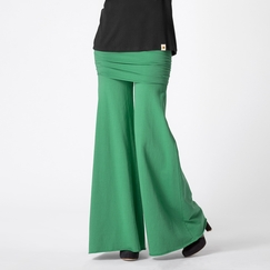 Om Girl Nomad Pant in Kelly Green