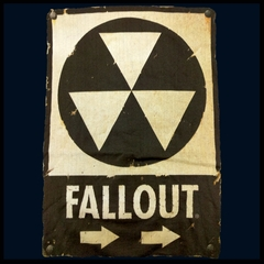Official Fallout Nuclear Sign Mens T-shirt