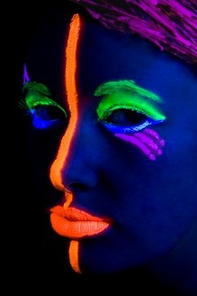 Uv Reactive Black Light Responsive Neon Make Up Sticks With Led Black Light Pendant
