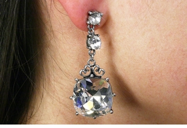 <BR>                LEAD & NICKEL FREE!!<Br>  W19017E - VINTAGE STYLE GENUINE  <Br>    AUSTRIAN CRYSTAL CUSHION CUT <BR>    EARRINGS FROM $4.50 TO $10.00