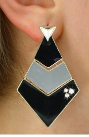 <BR>        WHOLESALE FASHION EARRINGS <Br>    CADMIUM, LEAD AND NICKEL FREE!! <Br>     W21115E - THREE TIERED GOLD TONE <BR>BLACK AND GRAY FILL AND CRYSTAL EARRINGS <Br>          FROM $5.63 TO $12.50 �2013