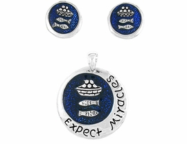 "W8326PE - ""EXPECT MIRACLES""<Br>CHRISTIAN PENDANT & EARRING<br>        SET FROM $2.40 TO $7.50"