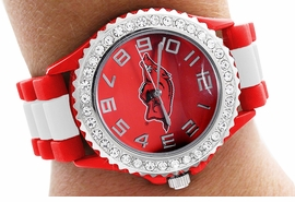 "<bR>       WHOLESALE COLLEGE WATCHES <BR> OFFICIALLY LICENSED COLLEGE ITEM!! <BR>               LEAD AND NICKEL FREE <Br> W20378WT - UNIVERSITY OF ARKANSAS <Br> ""RAZORBACKS"" RED AND WHITE STRIPED <BR> SILICONE RUBBER & AUSTRIAN CRYSTAL <BR>  WATCH FROM $7.99"