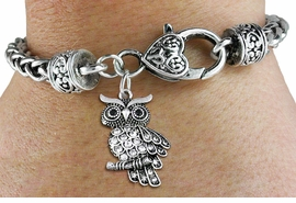 <BR>   WHOLESALE FASHION ANIMAL JEWELRY <bR>                 EXCLUSIVELY OURS!! <Br>            AN ALLAN ROBIN DESIGN!! <BR>      LEAD, NICKEL & CADMIUM FREE!! <BR> W1510SB - ANTIQUED SILVER TONE AND <BR>    GENUINE CLEAR CRYSTAL OWL CHARM <BR>    ON HEART LOBSTER CLASP BRACELET <Br>      FROM $5.98 TO $12.85 �2013