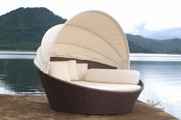 Outdoor Wicker Bed