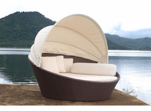 Outdoor Wicker Day Bed